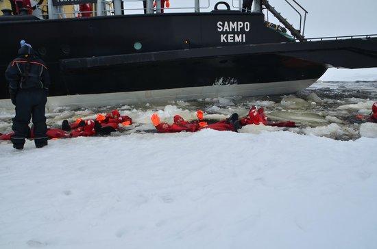 Sampo Icebreaker: ijszwemmen