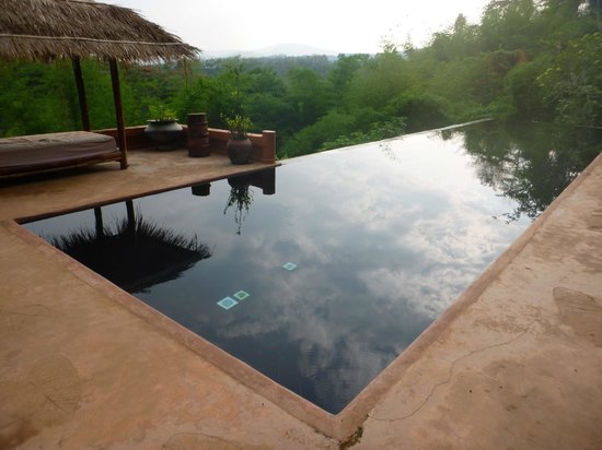 Phu Chaisai Mountain Resort: Pool 1