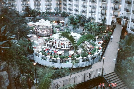 Gaylord Opryland Resort & Convention Center: Opryland Hotel, dinning area