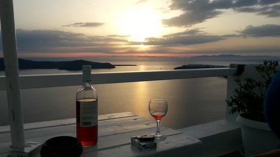 Iliovasilema Suites: Sunset
