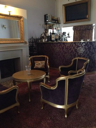Chateau Foldvary: bar