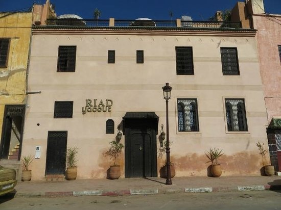 Riad Yacout: Exterior