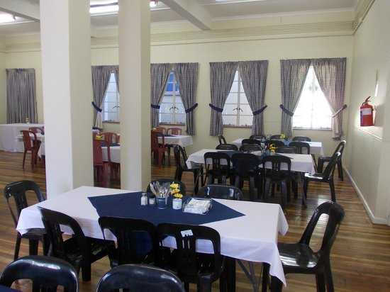 Franschhoek Travellers' Lodge & Group Accommodation: Our Dinigroom which can also be used as a conference area for small groups
