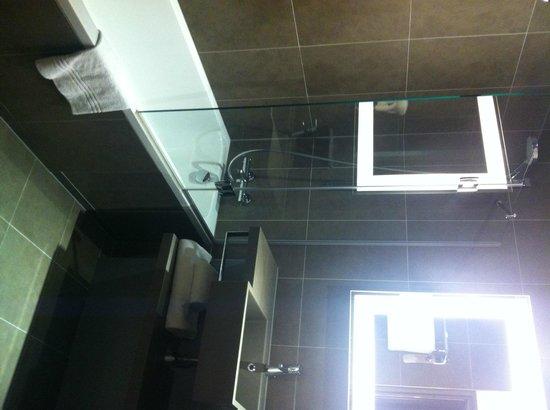 Novotel Marseille Centre Prado Vélodrome : salle de bain