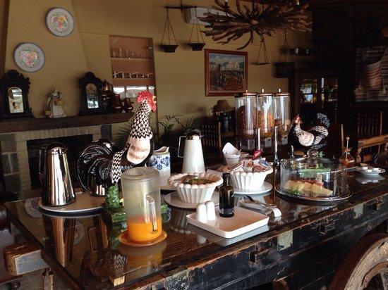 Monte da Bravura - Green Resort: Fantastic b&b superb breakfast-superb view- superb host organic product fantastic
