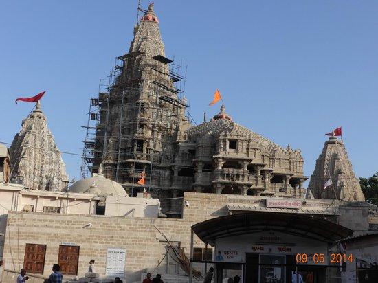 Kokila Dhiraj Dham: Dwarka-dhees temple