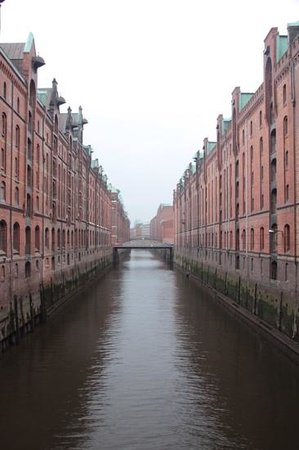 Warehouse District : beautiful functional design in the Speicherstadt