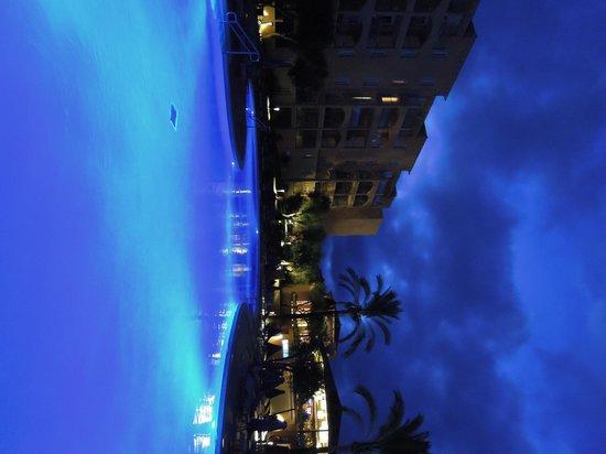 Holiday Village Majorca - Protur Monte Safari: Main pool at night
