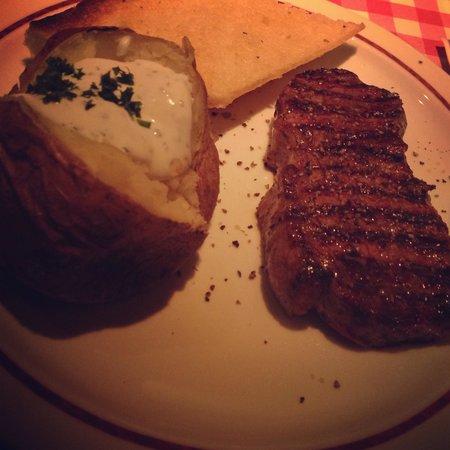 f r mich immer noch die beste steak kette blockhouse steak restaurant berlin reisebewertungen. Black Bedroom Furniture Sets. Home Design Ideas