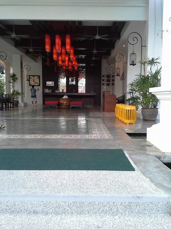 The Old Phuket: Lobby