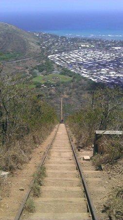 Koko Crater Trail: Шпалы, рельсы - и все в гору! или с горы!