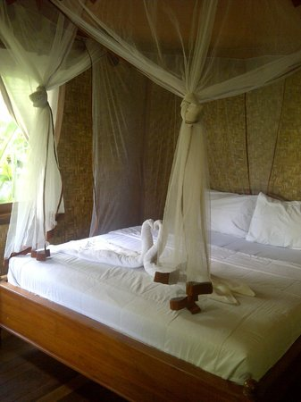 Merta Sari Balangan Bungalows : Bed