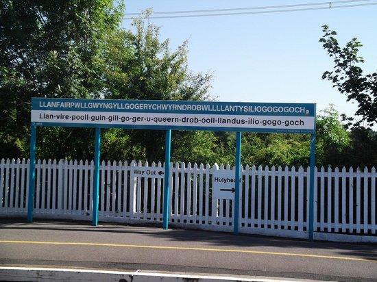 Llanfairpwll Railway Station: Calling at