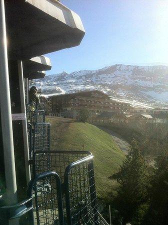 Hotel le Caribou : Nacelles a 50m
