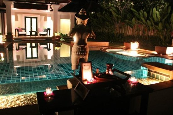 Banyan Tree Phuket: Our Spa Villa Pool at night