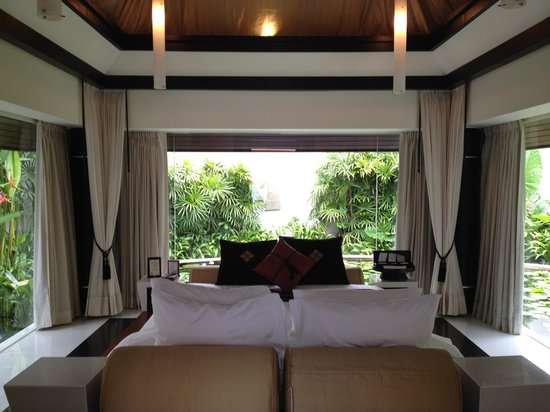 Banyan Tree Phuket: Spa Pool Villa bedroom - surrounded by water