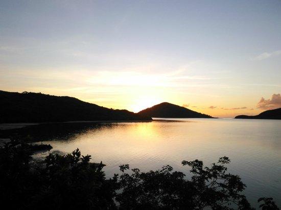 Navutu Stars Fiji Hotel & Resort: Taken from the boat as we return from the fishing charter.
