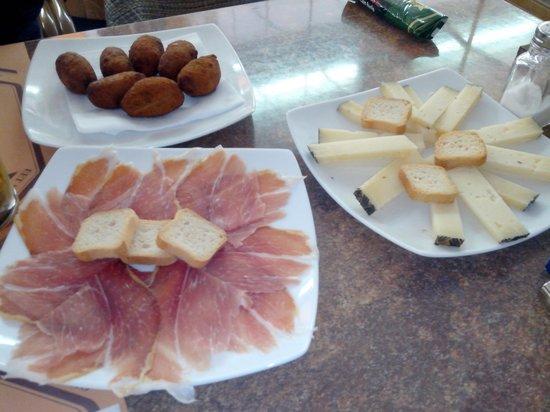 Restaurante El Abuelo: Tapas