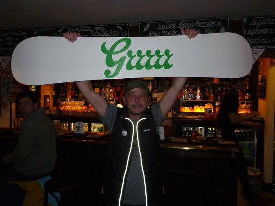 Spitting Feathers Apres Ski Bar: Grolsch Party Night. And the winner is..............PASCAL