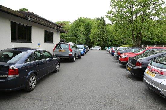 The Airport Inn Manchester: Gym car park