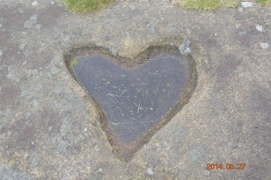 Brimham Rocks: Love heart in the rocks