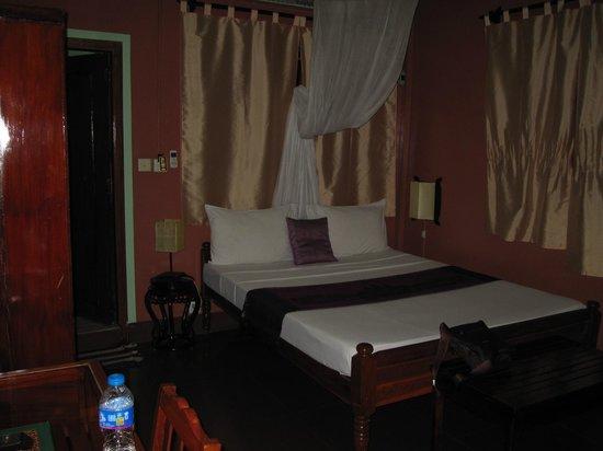 Alibi Guesthouse: Room on 3rd floor adjacent to terrace/balcony