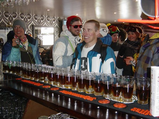 Spitting Feathers Apres Ski Bar: Bombs away