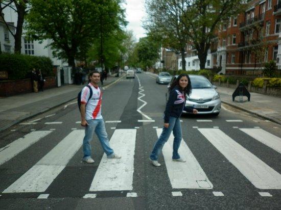 Abbey Road : El paso de cebra más famoso