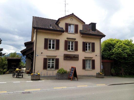 Stäfa, Suiza: Frontseite Restaurant