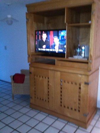 Park Royal Puerto Vallarta: FLAT SCREEN TV