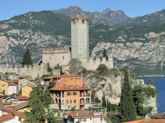 Hotel Ariston: View of Scaligero Castle