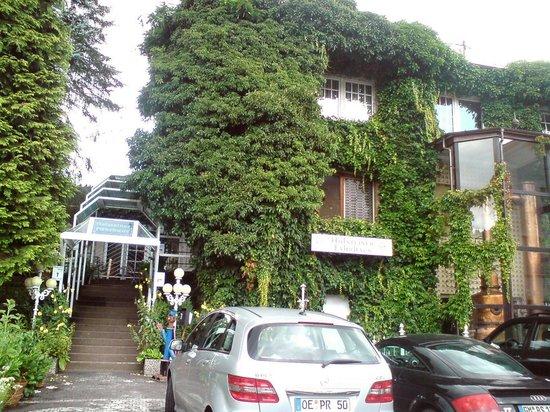 Holsteiner Faehrhaus: Zugang zum Restaurant.
