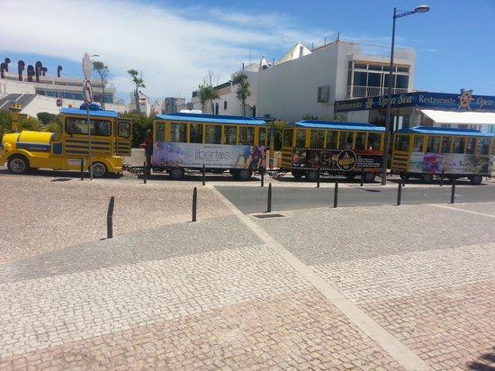 Albufeira Jardim - Apartamentos Turísticos : road train