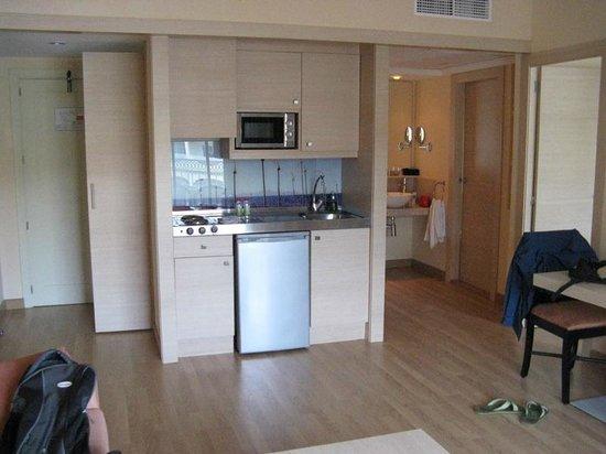 Hotel Viva Bahia : Küche und Waschbereich im Apartment