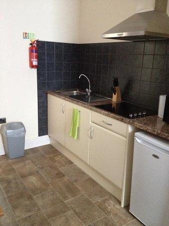 Black Boy Inn: kitchen area in black jacks room 40