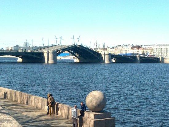 Memorial Sign Strelka Of Vasilievskiy Island: мост