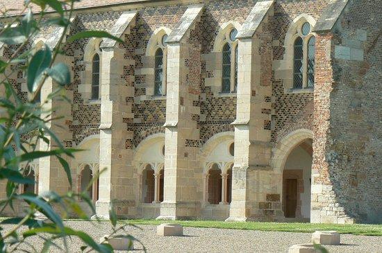 Abbaye Notre-Dame de Cîteaux: Bibliothèque, façade sud