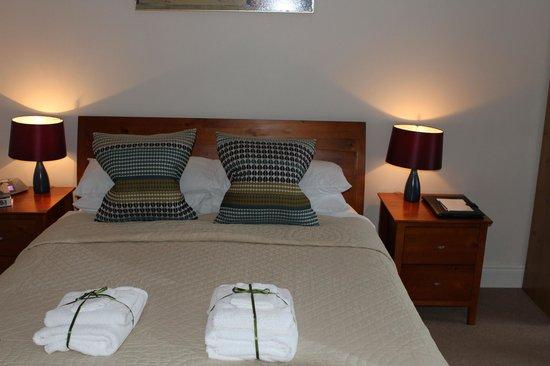 Hillside Lodge : La chambre