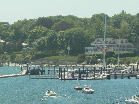 Wyndham Bay Voyage Inn: Beginning of Jamestown Village