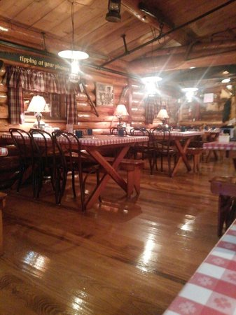 Paul Bunyan's Northwoods Cook Shanty: Seating