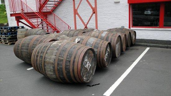 Edradour Distillery: Car park / bottling plant