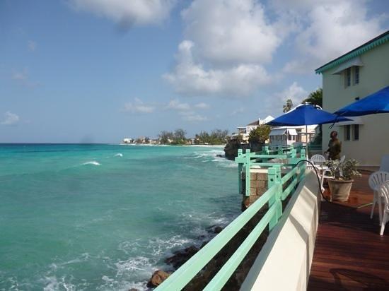 Coral Mist Beach Hotel: Hotelterrasse