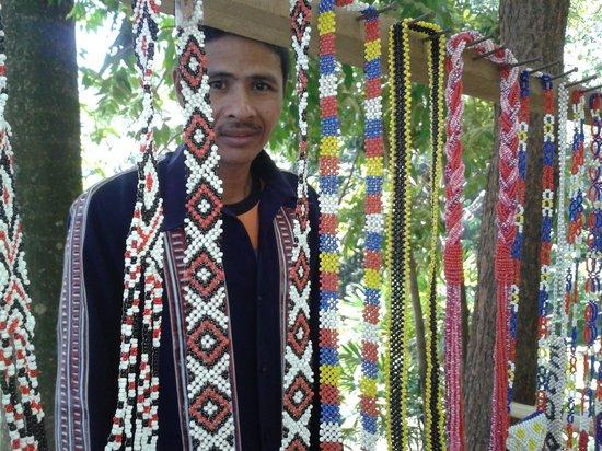 Malasag Eco-Tourism Village and Gardens : ethnic souvenirs