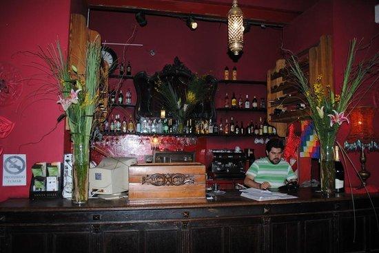 Lelé de Troya: Reception and Bar