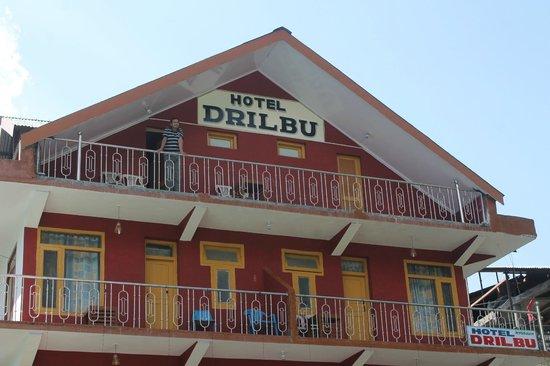 Hotel Drilbu Manali: Hotel Front