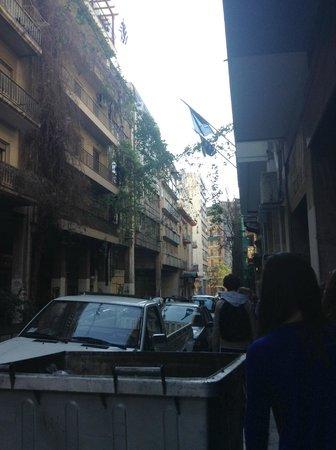 Hotel Solomou Athens : la rue de l'hôtel