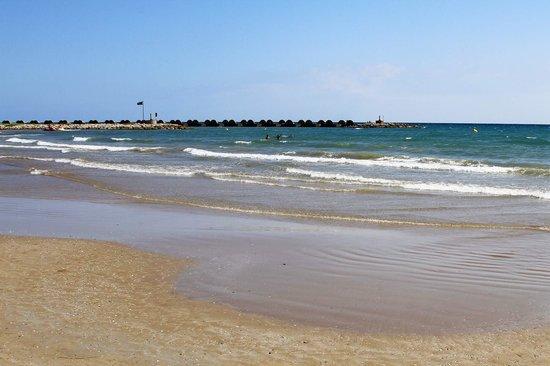 Camping La Rueda : Playa de Cubelles