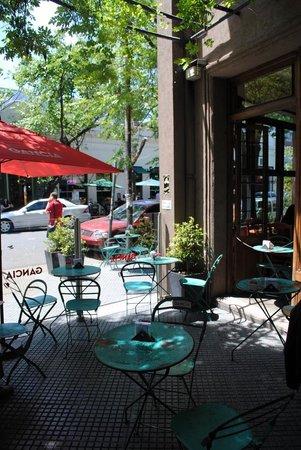 Sans Serrano Deli & Drinks: Courtyard