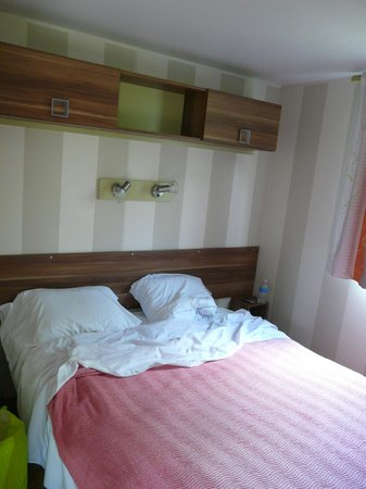 Camping Les Grenettes : Chambre