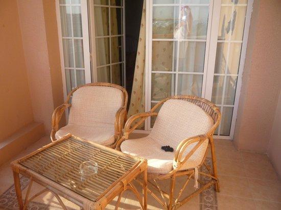 Siva Grand Beach Hotel : балкон